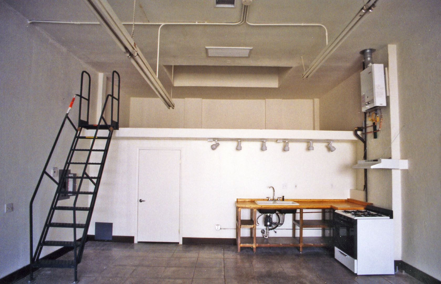 Ontario Art Lofts- Live/Work Loft for Rent, Downtown Ontario