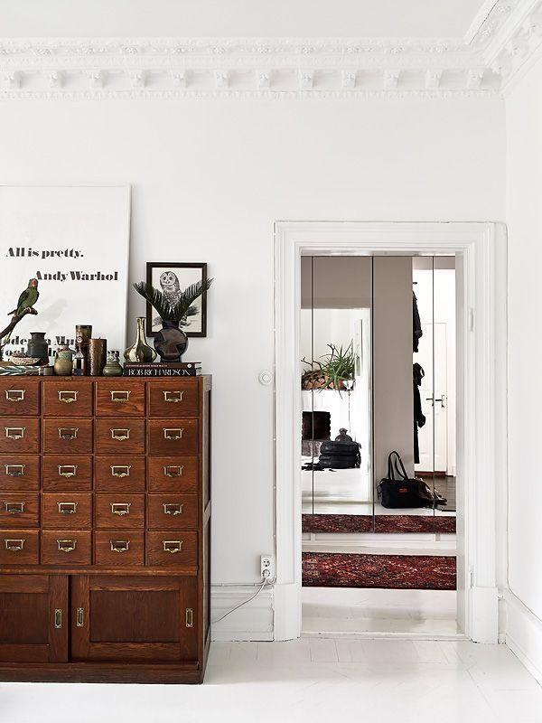 Via B L O O D A N D C H A M P A G N E C O M Meuble De Metier Card Catalogue Interior Home Home Decor