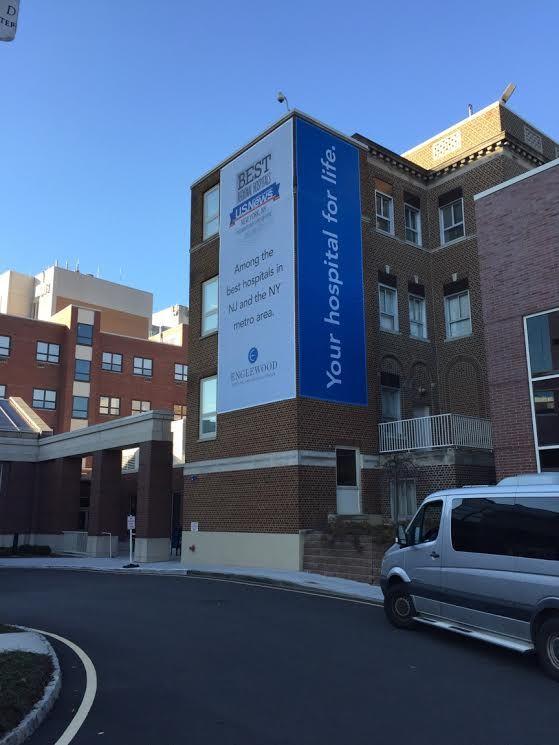 Exterior Banner On Englewood Medical Center In Nj Architectural Signage Exterior Real Estate