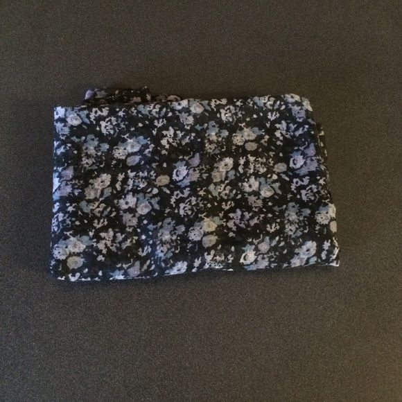 //Black Floral Scarf\\ Excellent condition! Not infinity. If you have any questions please ask. If you'd like to make an offer use the offer button. Accessories Scarves & Wraps