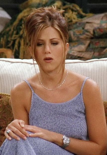 35 Looks Rachel Green Wore On 'Friends' That Are Trendy In 2017