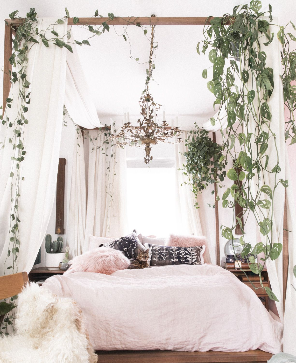 Best Small Space Decor Tips From This Gorgeous Boho Apartment 400 x 300