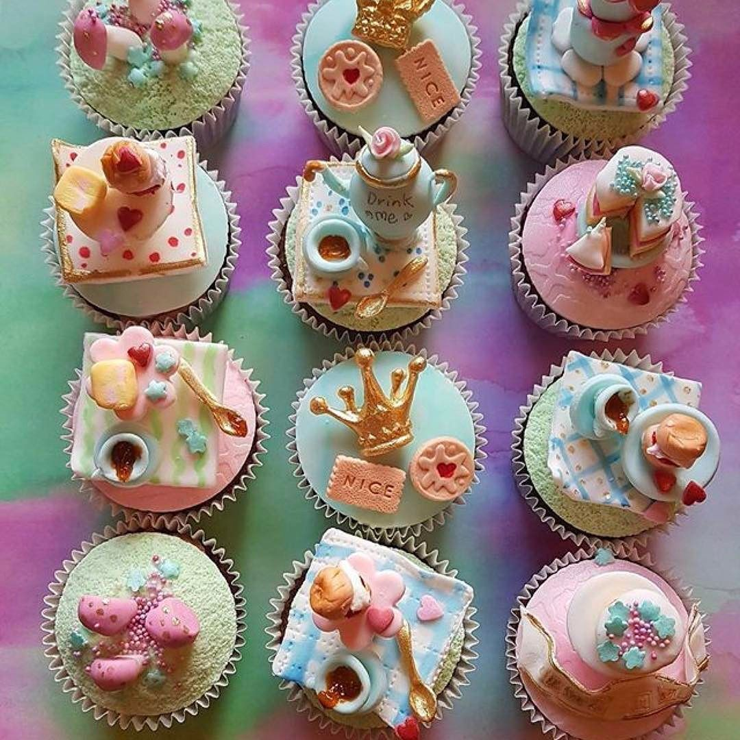 Fabulously fun and delicious looking Alice in Wonderland