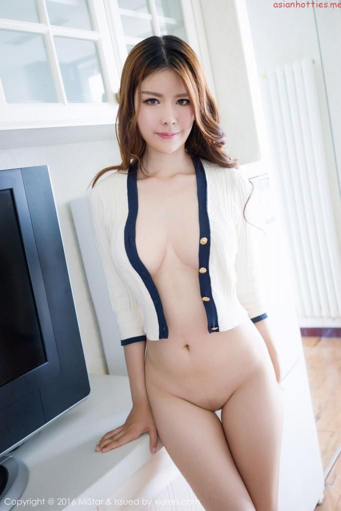 nude model beautiful asian