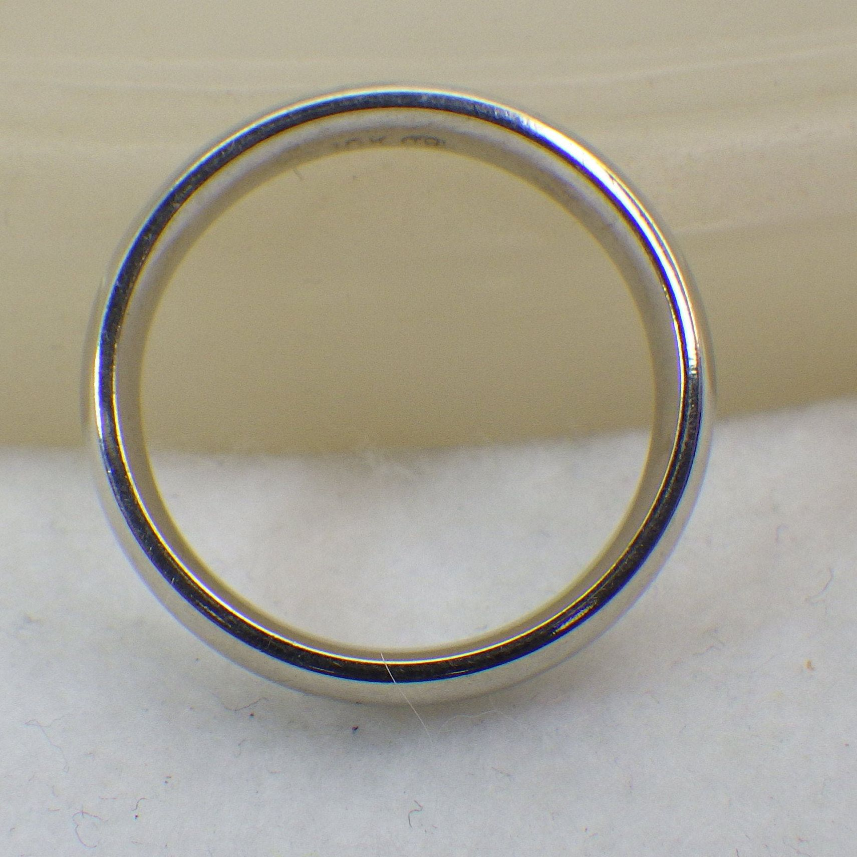 10k White Gold Wedding Band Ring His Or Hers Us Size Eight Etsy White Gold Wedding Bands Gold Wedding Band Wedding Ring Bands