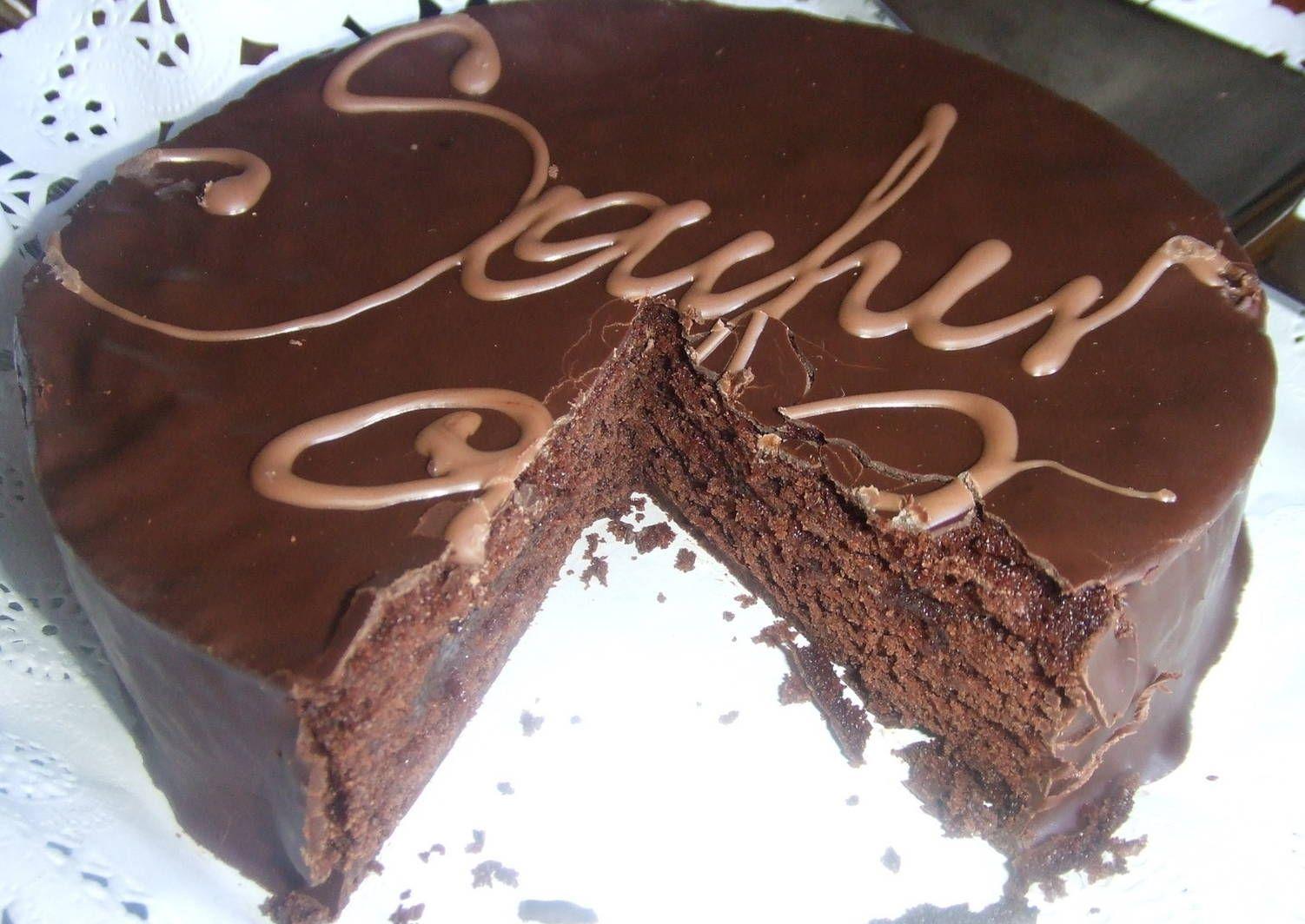 Sacher Torte Austríaca Receta De Cuqui Bastida Receta En 2020 Postres De Chocolate Recetas De Comida Comida Deliciosa