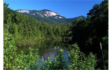 Enjoy Gorgeous Mountain Scenery At Table Rock State Park Hiking Trails Head Into The Mountains And Cabins Offer Views From Below