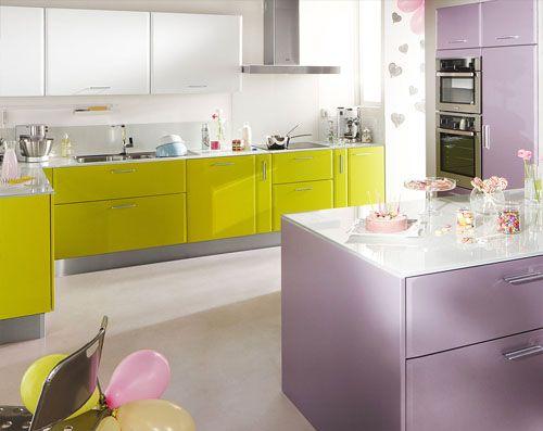 On Aime La Couleur Prune Aubergine Avec Vert Anis Kitchen Design Kitchen Sweet Home