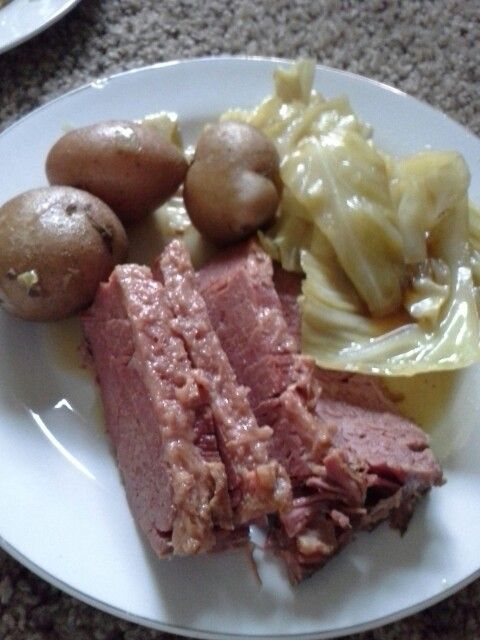 Corn beef and cabbage @Alli Hilke