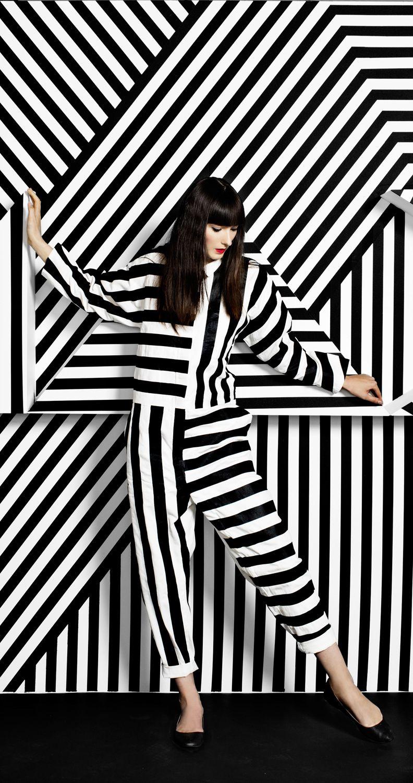 Adobe Max Installation And Art Direction On Behance Weiße Mode Kunststile Schwarze Mode