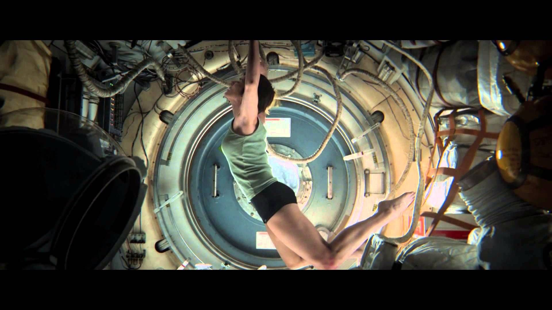 'Gravity' Behind-the-Scenes Featurette Takes Audiences From Script to Screen