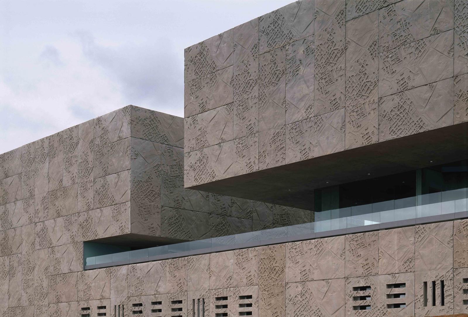 Auditorio y Palacio de Congresos Mérida 2004