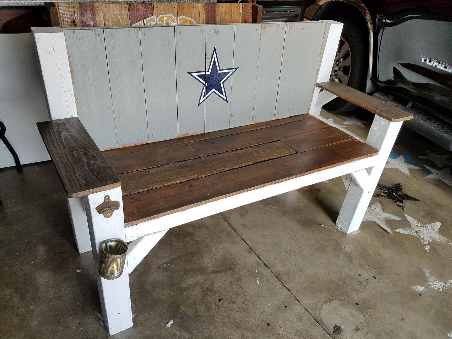 Small Wood Fan Bench 2x2 2x6 1x6 Wood Was Used Diy Stain And Paint Outdoor Wood Projects Diy Outdoor Wood Projects Wood Projects