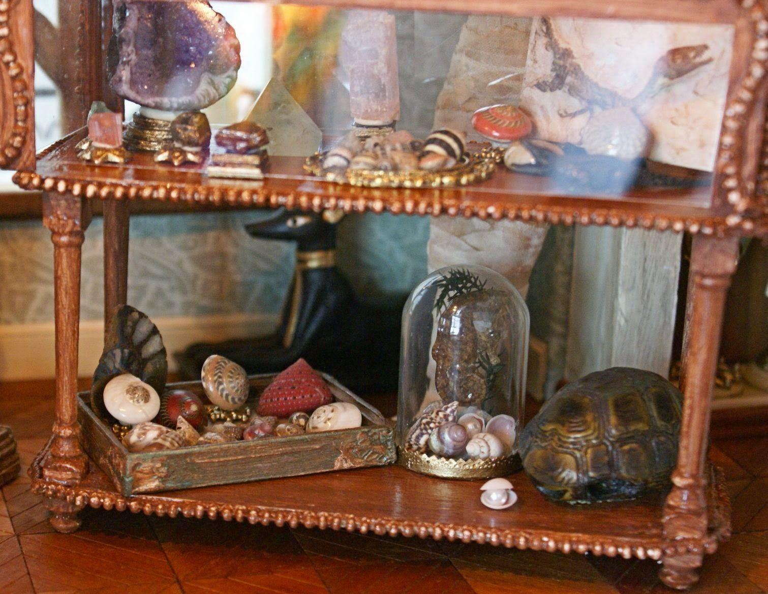 Petit Cabinet De Curiosites Miniature Cabinet Of