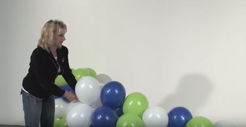 How to make a balloon arch in seven easy steps. Air filled. No helium needed with our kits!