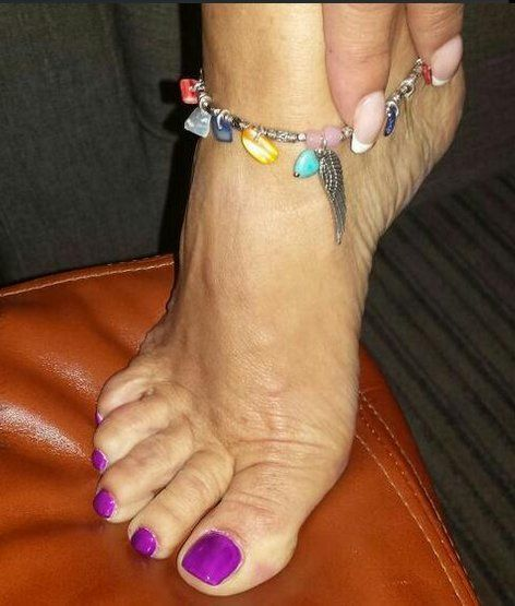 anastacia feet