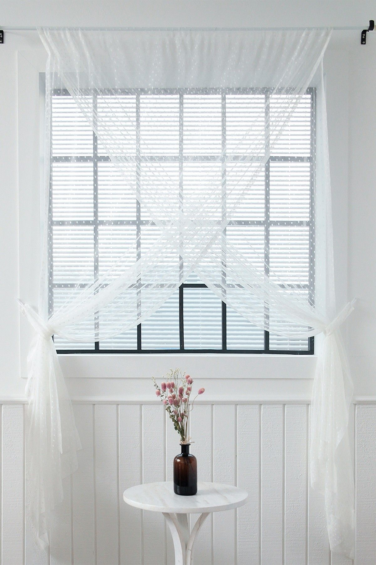 Sheer Lace Overlapping Curtain Panel