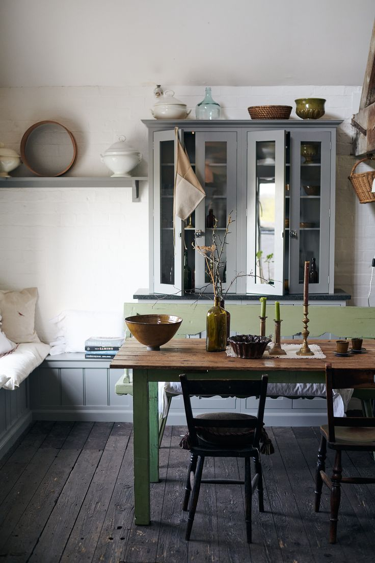 We are missing all the beautiful deVOL Kitchens at our Cotes Mill showrooms. Over the years we have carefully restored and renovated this 16th century water mill to create inspirational kitchens and utilities and sculleries. Explore this enchanting old building on our latest blog. #deVOLKitchens #HomeDecorBlog #KitchenInspiration #ShakerKitchen