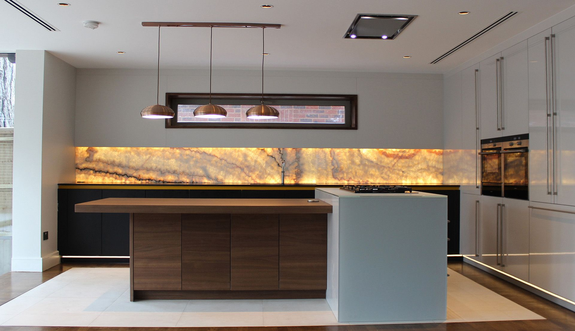 The beautiful Kohan project by LEICHT Kitchens Design Centre with ...