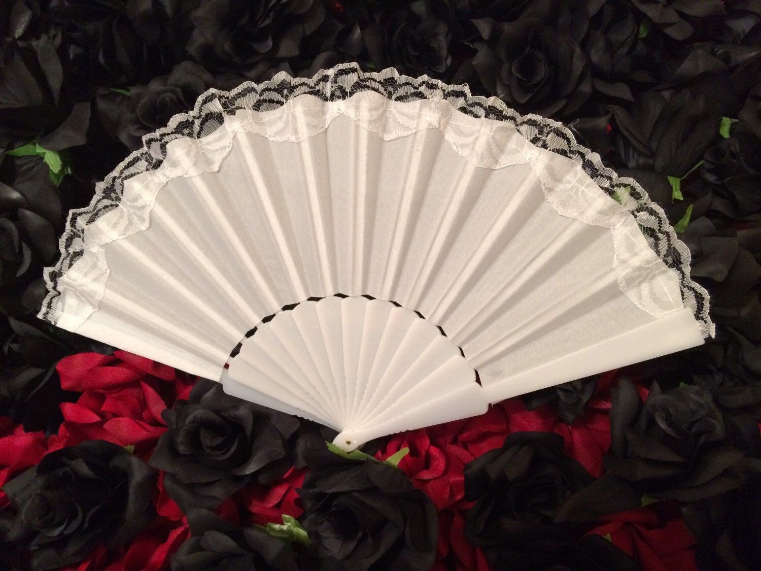 White Hand Held Fan (Wedding Fan Bride Bridal Spanish