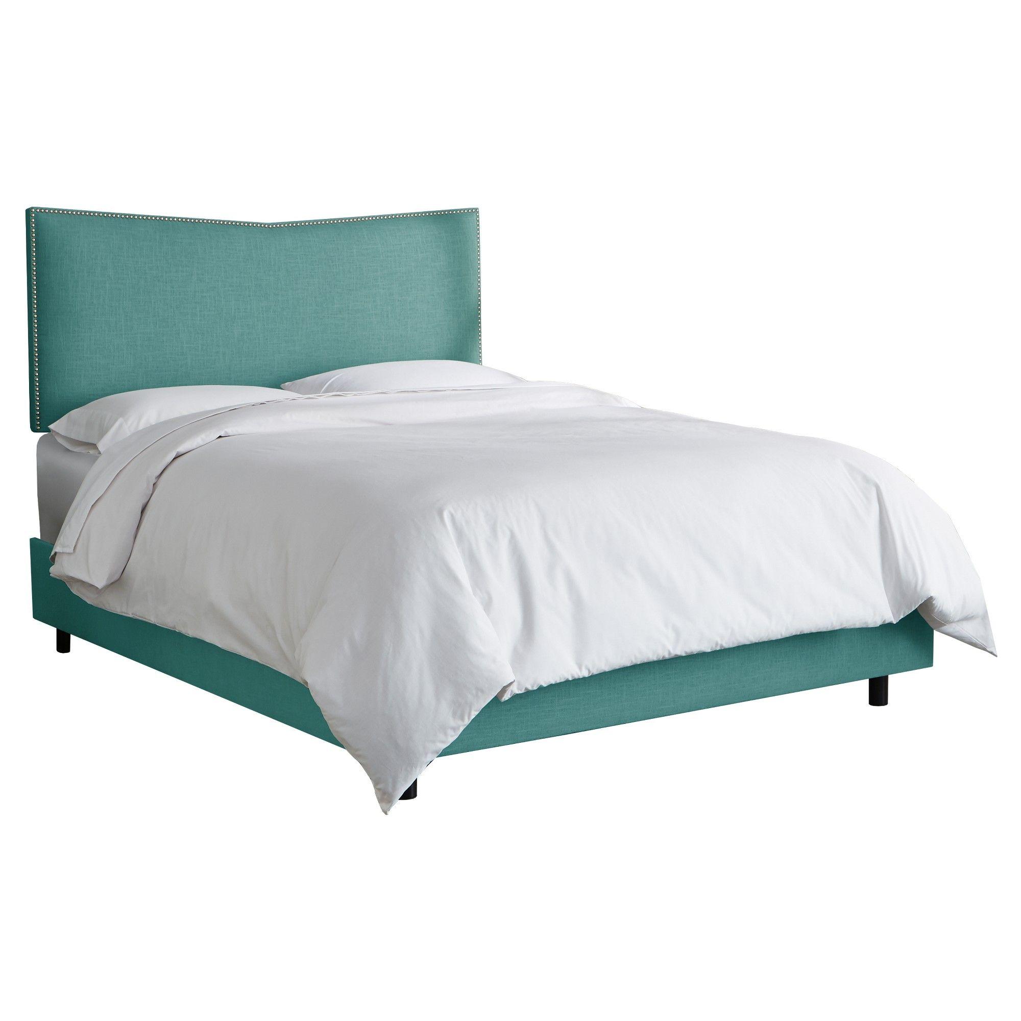 Avery Upholstered Nail button Bed - California King - Laguna Linen - Skyline Furniture