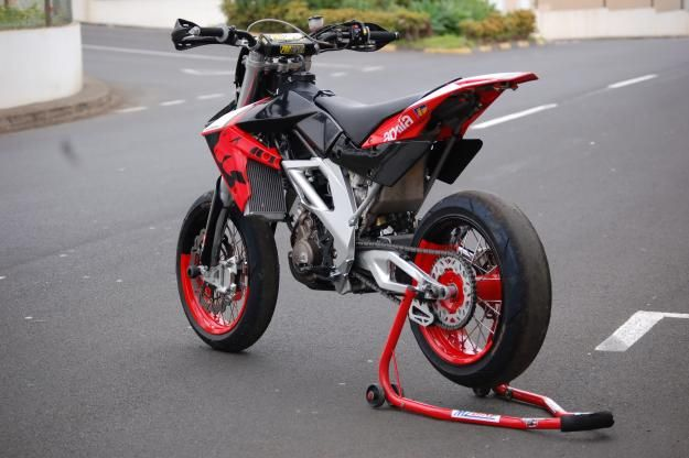 aprilia sxv 550 with some pro tapers dirtbikes pinterest. Black Bedroom Furniture Sets. Home Design Ideas