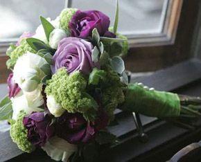 Ramo de novia en colore morado y verde