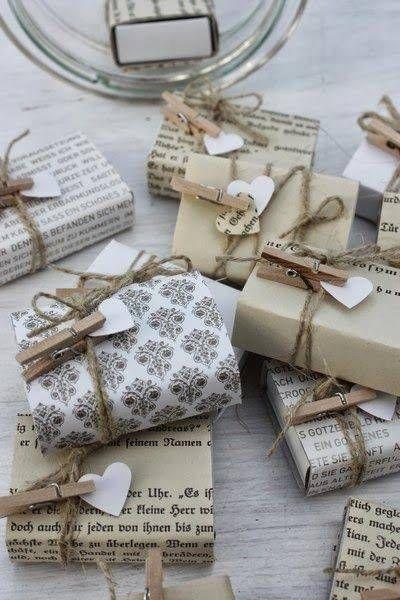 id es pour r aliser des emballages cadeaux originaux pour no l papier cadeau noel emballage. Black Bedroom Furniture Sets. Home Design Ideas