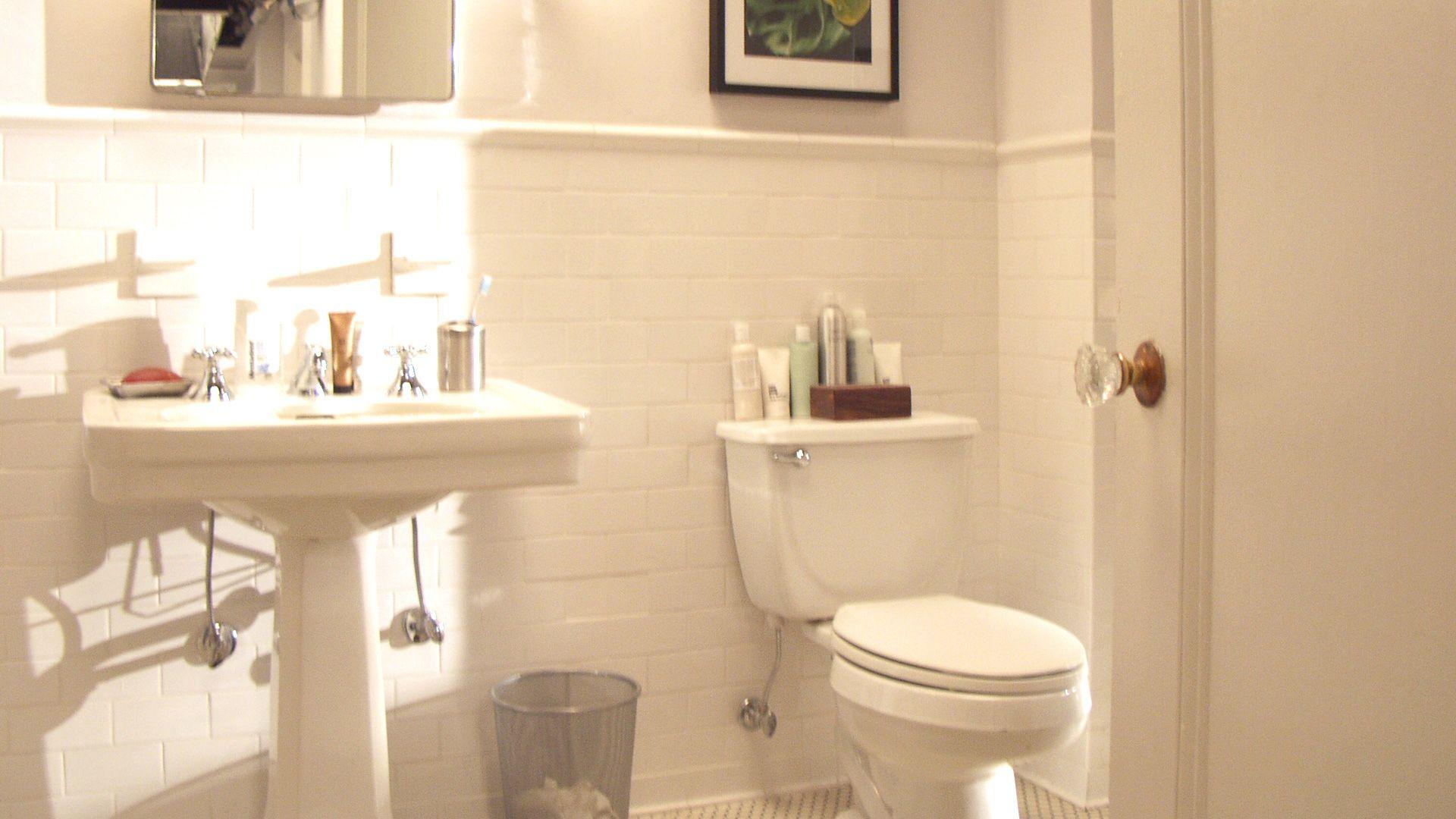 apartments inside bathroom. Inside Miranda s Apartment  Hobbes Pinterest