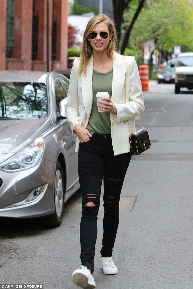 1d13405e3ad61 Casually chic  Karlie Kloss looked fashion forward as she stepped out to  run errands and grab a coffee-to-go in NYC on Wednesday