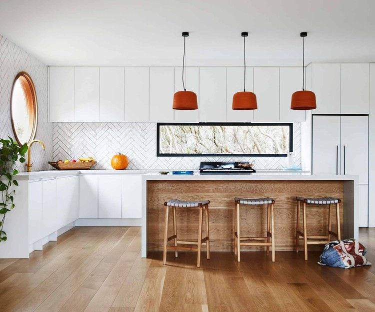 A Classic Beach House On The Mornington Peninsula With A Modern Twist Homes To Love Kitchen Renovation Cost Beach House Beach House Decor