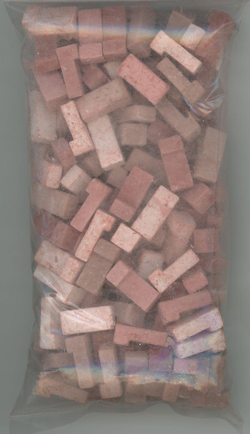 Dollhouse Miniature Red Blend Brick Blend by Andi Mini Brick /& Stone 325 count