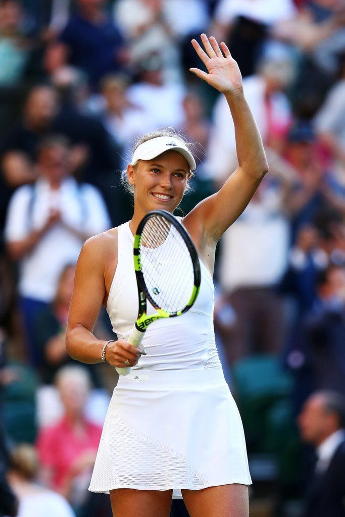 Loved the support out there on Centre court today and adore my new @adidas by @stellamccartney outfit 😍👗