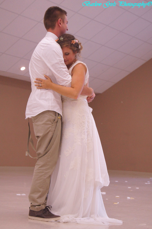 #barlowgirlsphotography #clarksville #ftcampbell #wedding #weddingphotography #brideandgroom  #flowers #bride #groom