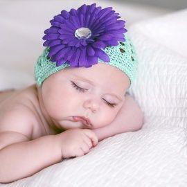 Gorro de ganchillo con flor para recien nacidos y bebes. Disfraces  divertidos ropa especial fotos 0fbb100b70c