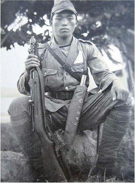 Allies   Photo  ** Soldier With Machine Gun    ** WW I