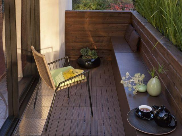 Balkon Sichtschutz Bambus hoch Holz Geländer Tisch Rattan