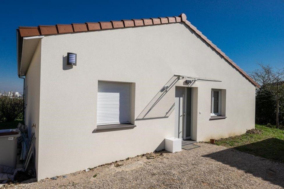 maison individuelle type pavillon - façade blanche - région midi ... - Devis Type Construction Maison Individuelle