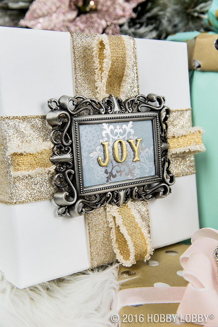 Customize your gifts with photo frame gift tags! Just fill mini ...