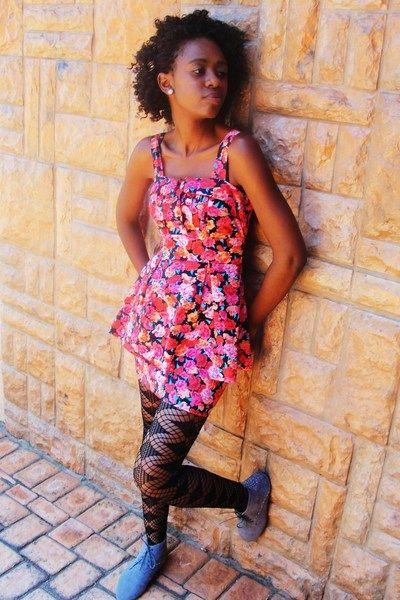 Bridget Rocks A Legit Dress And Stockings It S A Bold Look We Love It