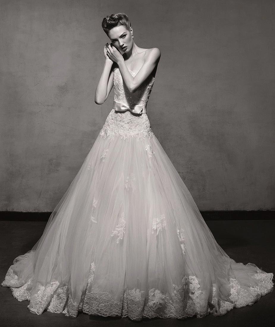 Best wedding dress boutiques in london  Lusan Mandongus Wedding Dress  Wimbledon Boutique u Teokath of