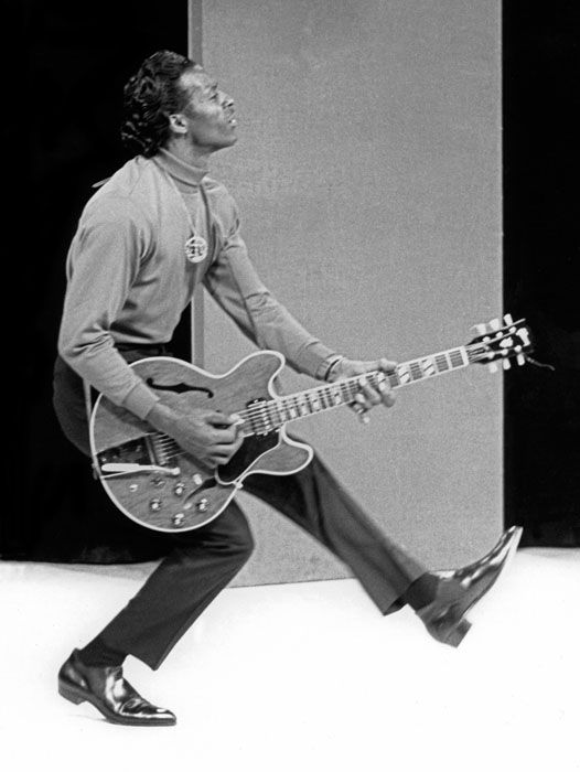 50's ROCK 'N ROLL - Chuck Berry's still going strong at 86 ...