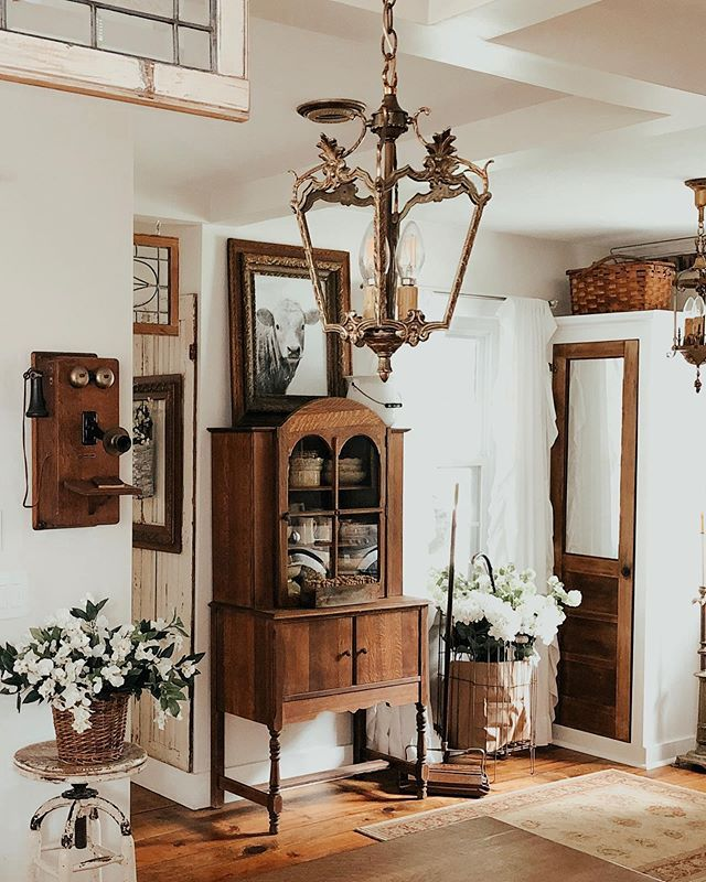 Photo of Decorating with Vintage Items in the Master Bedroom – Deb and Danelle