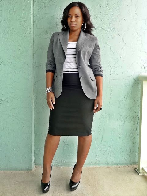 Trendy coporate office outfit, how to wear seperates to look like a suit, how to wear black, white and grey, curvy chic office outfits | Anna's Essentials