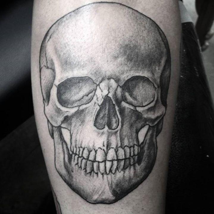 olio.tattoo Skull Tattoo by @adamjelinski from Anatomy Tattoo ...