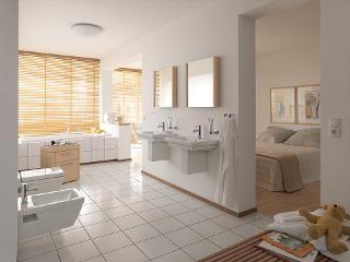 Formes plates et finitions en bois attrayantes : avec les lavabos, cuvettes de WC, baignoires & meubles de salles de bains Duravit, la s�rie 2nd floor transforme votre salle de bains en une chaleureuse pi�ce � vivre.