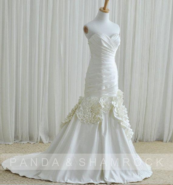 Fen/wedding gown/bridal dress/bride/custom made/all size/fishtail style/sweetheart neckline