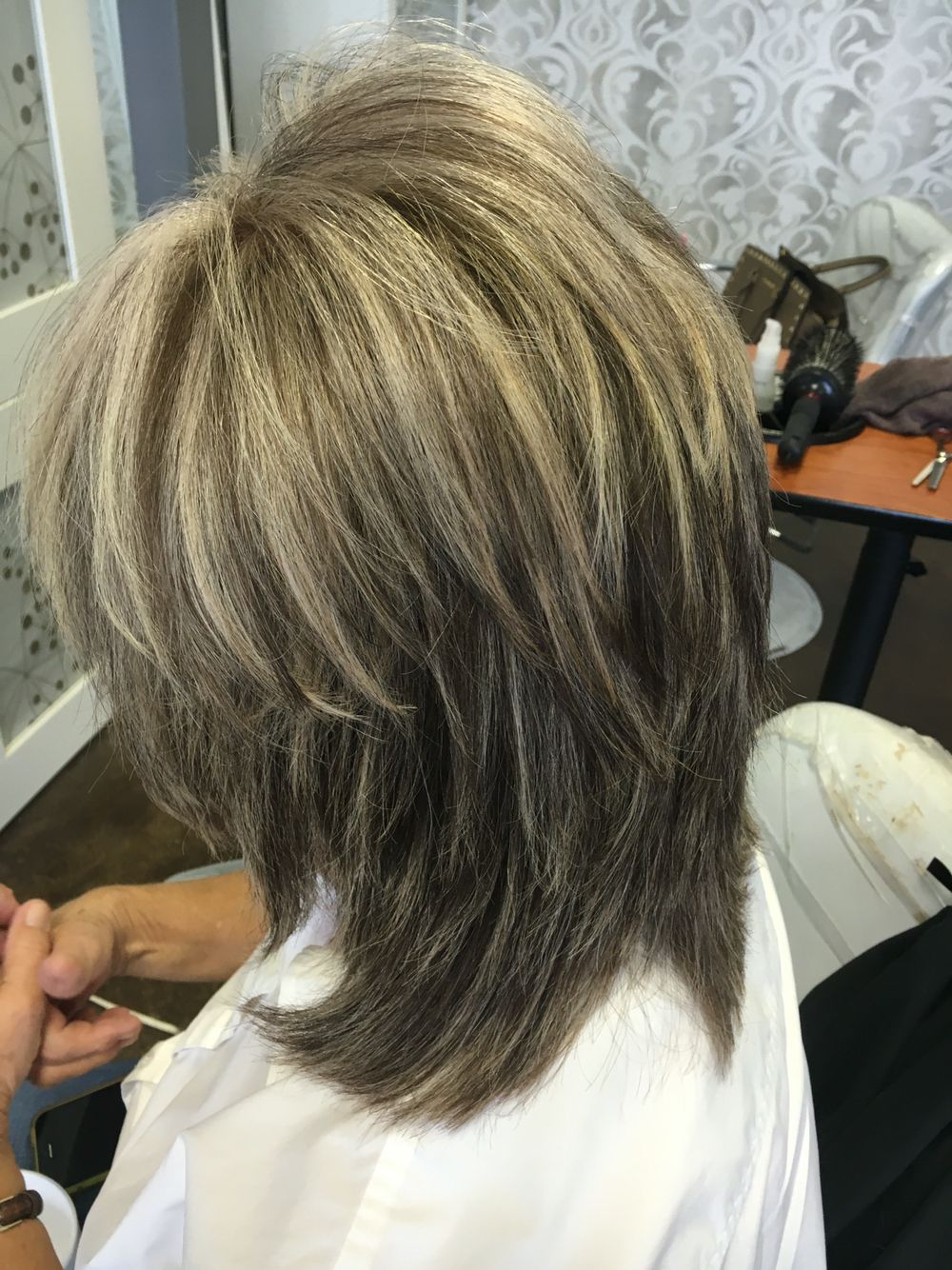 Super Shaggy Layers On A Silver Platinum Blonde With A Dark Golden Brown Base Pravana Color Red Haircuts For Medium Hair Layered Haircuts Medium Hair Styles