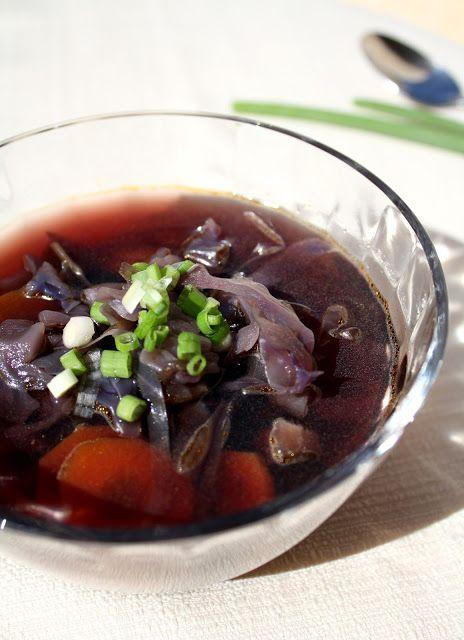 בישול בזול: מרק סגול ומסעותיו של מיכאלנג'לו בעולם