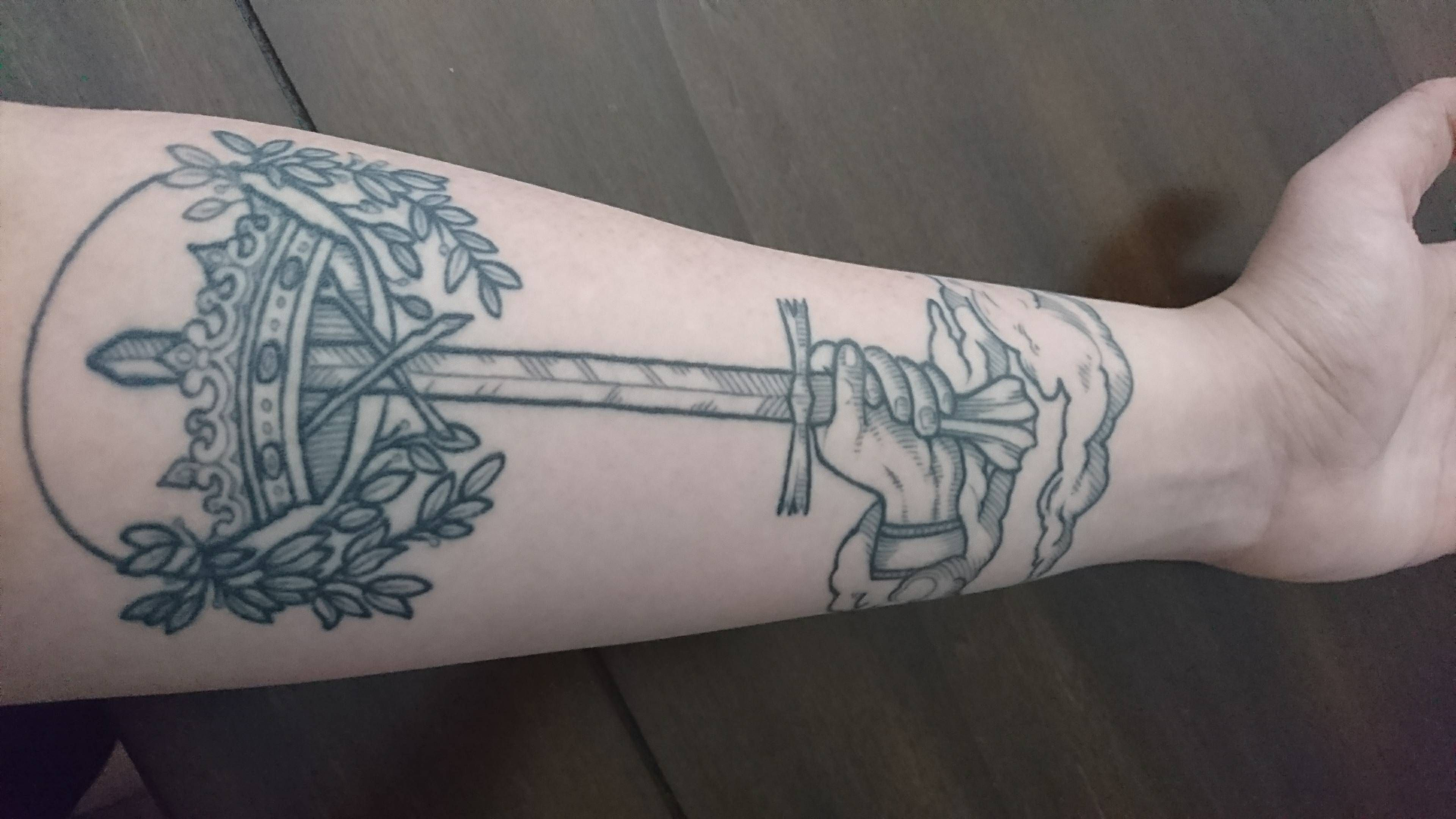 Ace Of Swords From Sara Fabel Formerly At Outer Limits Costa Mesa Ca Exactly One Year Later Sword Tattoo Ace Of Swords Body Art